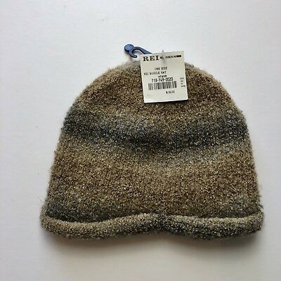 REI WINTER HAT Beanie with Pom. Girl 7-14 yrs 100a0c5e0a