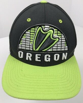 finest selection 4b9f4 74e50 Oregon Ducks NCAA 3D Logo Adjustable Green Zephyr The Hat Snapback Cap