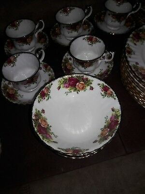 Vintage Royal Albert Old Country Roses Bowl cereal/fruit