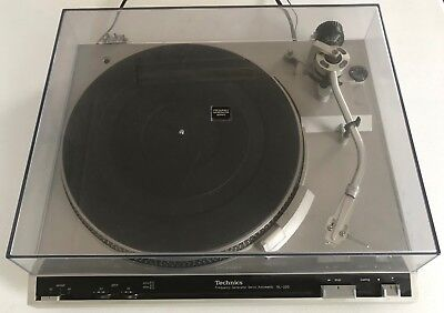 Vintage Technics SL-220 Frequency Generator Servo Automatic Turntable