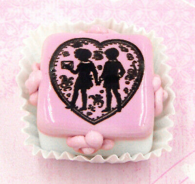 Hulet Glass Handmade 'Love Note' Valentine Chocolate Candy (20-811WS)