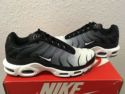 on sale 68608 ed7bf Nike Air Max Plus TN Oreo US8,5