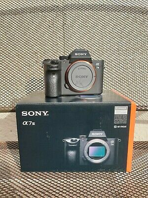Sony Alpha A7 III 24.2MP Camera Body Only   x2 Batteries   Boxed
