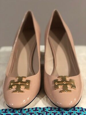 75e9abb03fed TORY BURCH Raleigh Logo Patent Leather Pump. US 10
