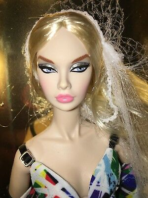 New Integrity 2018 Luxe Life Convention STYLE LAB POPPY PARKER Build A Doll Look