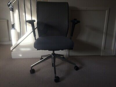 Vitra ID Mesh Office Task Chair Antonio Citterio RRP £889 Ex Cond Grey