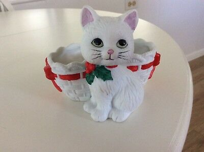 Vintage Lefton Kitty With Basket Planter/candy Dish