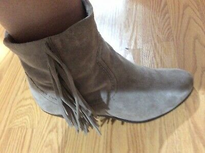 d1c346327 Sam Edelman Louie Grey Leather Fringe Ankle Boots Womens Sz 8M
