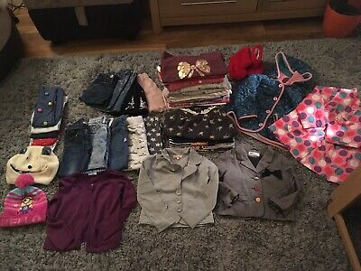 Huge bundle of girls cloths in size 4-5 Years. 40 items in total, Lots of Next.