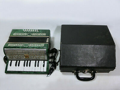 VINTAGE 1980 RUSSIAN Малыш PIANO ACCORDION 16 BASS BUTTON ORIGINAL CARRYING CASE
