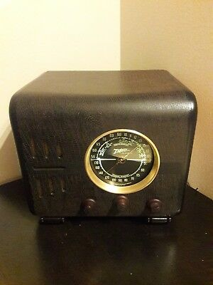 ANTIQUE ,VINTAGE, DECO ,COLLECTIBLE - OLD TUBE RADIO ZENITH 5s218 RESTORED