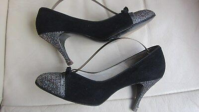 1950,s Modern Miss NYC antelope stiletto/lurex pumps.Measure 10 inches inside sh
