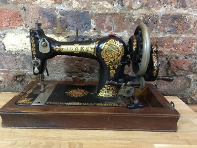 Vintage/ Antique  Cast Iron Jones Family CS Sewing Machine, Hand Crank, 1922