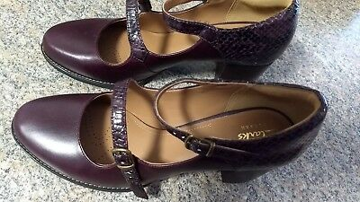 ad507e0bf19 CLARKS ARTISAN COLLECTION Women s Burgandy Maryjane Block Heel size ...