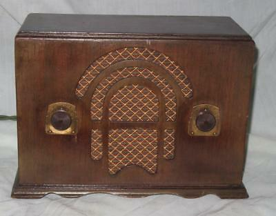 Emerson Model 23 Radio with Chassis UV-4, 4 Tubes, AM, Ca. 1934-35, Working