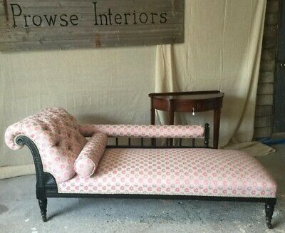 Chaise longue Victorian, with new upholstery.