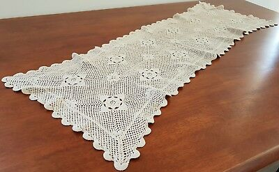Vintage 80s ECRU BEIGE Floral PANSY CROCHET Shabby Chic TABLE CENTRE RUNNER
