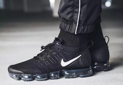 Nike Air VaporMax Flyknit 2  Men Running Shoes ('Black' White)