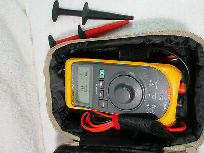 Fluke 707 Loop Calibrator, Excellent Condition, with leads, case