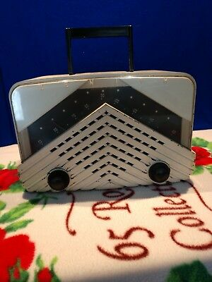 zenith Tube Radio Bakelite Works
