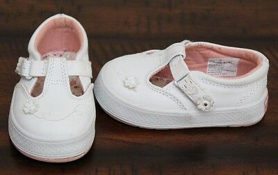 6493fc1b7ce8 Buster Brown WHITE T STRAP SNEAKERS sz 4 Toddler Girl Classic Leather Shoes  EEUC