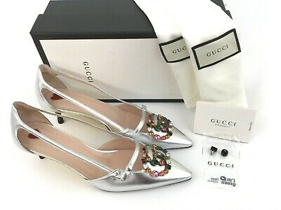 7256927ba4e4 GUCCI CRYSTAL GG Logo Embellished Pointy Toe Silver Leather Pump 40 ...
