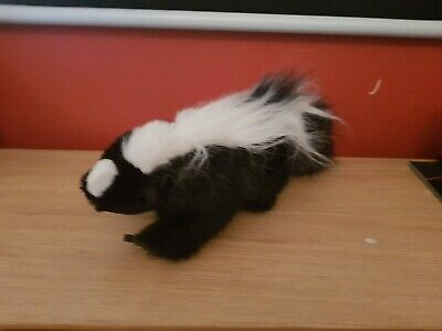 Skunk hand Puppet no tags  rare and cute!
