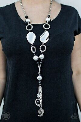 Paparazzi jewelry necklace Total Eclipse of the Heart