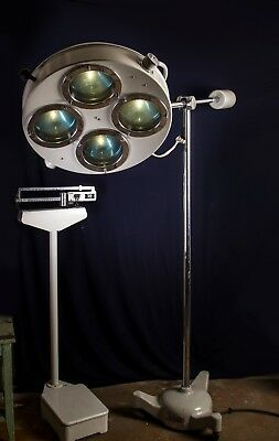 Large Industrial Medical Loft Lamp, 1977 Lampe Arzt Stehlampe Industrie CCCP
