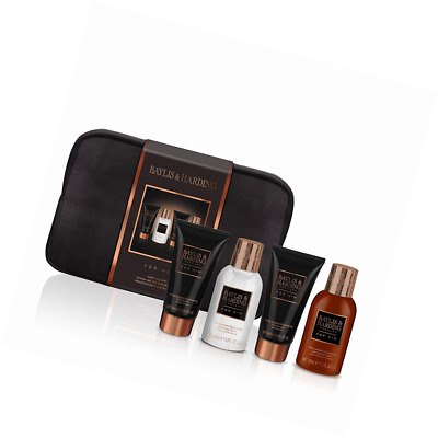 b5d513327f BAYLIS   HARDING Men s Black Pepper and Ginseng Wash Bag Gift Set ...