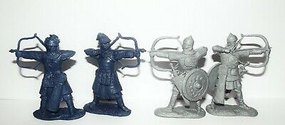 Soft plastic toy soldiers. Medieval archers. Russians VS Mongols. 1/32 scale.
