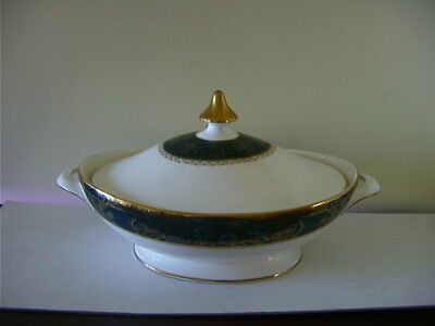 2 x Royal Doulton - Carlyle - Lidded Tureens