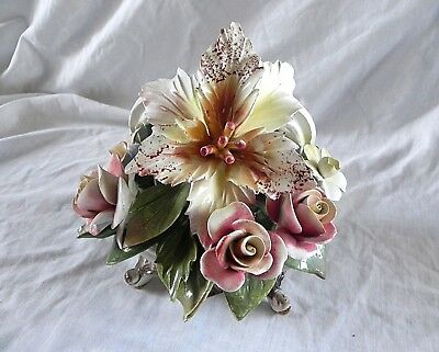 Capodimonte FLOWER CENTERPIECE IN CLAMSHELL Made in Italy