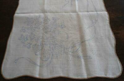 Vintage Linen Stamped Embroidery Table Runner Flowers Ribbons & Bows