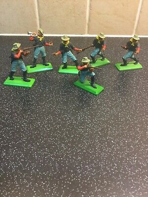 Britains Deetail Dis-mounted US 7th Cavalry. Group of 7. 1970s