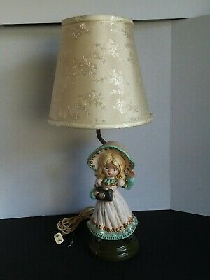 Vintage Holland Mold Ceramic Figurine Lamp Girl With Camera Original Cord  1984