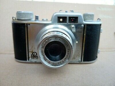 Aka Akarette  35mm viewfinder camera with case