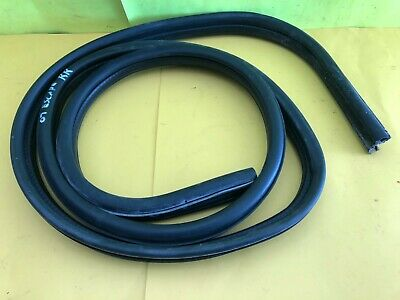 2005 - 2007 Ford Escape Right Rear Pass. Side Door Weatherstrip Rubber Seal Oem