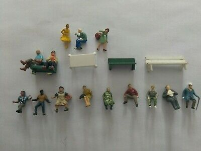 Ho scale 1:87 Woodland Scenics 14 painted People Sitting 3 benches 1 table at NR