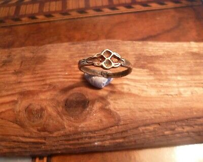 Late Medieval Ring with Fashioned Decoration-British Detecting Find