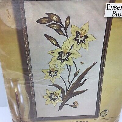 Paragon Golden Lilies Creative Crewel Stitchery Embroidery Kit Vtg 1976 MCM