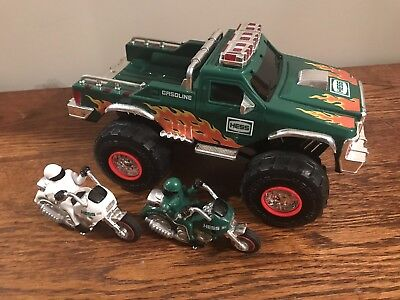 2007 HESS MONSTER TRUCK With Two Motorcycles In Original Box