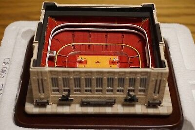 Chicago Bulls Danbury Mint Chicago Stadium Replica Perfect Condition 8efe13587