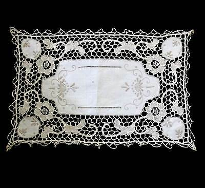 Vintage pretty embroidered and cutwork doily mat measuring approx 40 x 27cm
