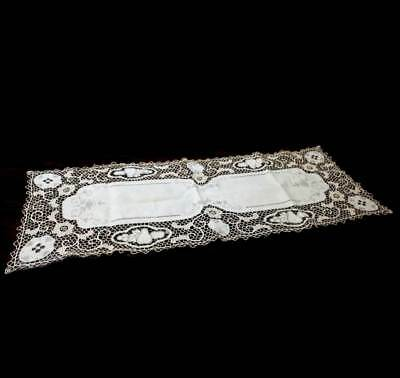 Vintage pretty beige lace trim long table runner centrepiece 102cm x 40cm