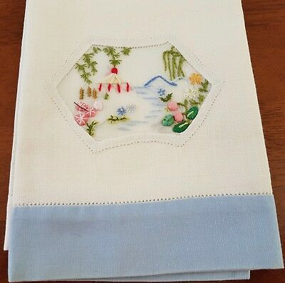 Vintage Mid Century 60s WHITE BLUE Cotton ASIAN PAGODA Embroidered GUEST TOWEL