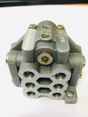 Oil/Grease 12-Way U-Block Divider Manifold Progressive Distributor Block