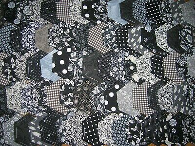 Fabric Hexagons X 100 Tacked To Paper Template Epp Black&white Patchwork  Nov