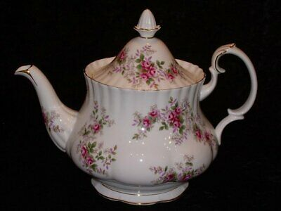 Royal Albert Lavender Rose Teapot 1970's 5 Cup Capacity Excellent Condition