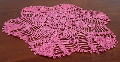 Vintage 60s Shades MAGENTA PINK Pineapple FLORAL Round Table DOILIE
